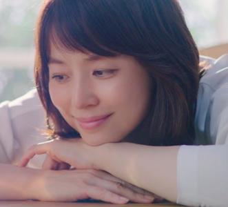 キリンファイアCM 2017最新の曲名は?石田ゆり子の年齢は?(20代写真)